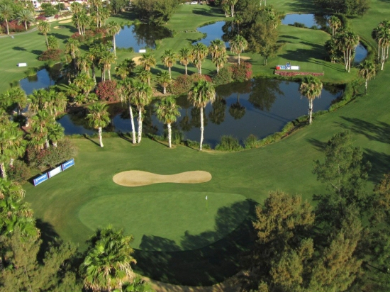 Golf Las Americas bank property