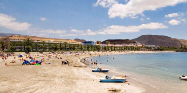 Sahara sand to regenerate the beach of El Camison in Arona, Tenerife