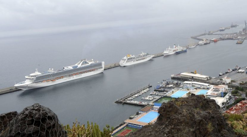 The port of Tenerife, among the three best one in the world 2016 for the cruises stop-overs