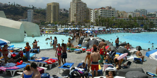 The municipality Puerto de la Cruz, Tenerife has the highest influx of tourists since 2009