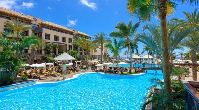 Adeje is the highest hotel profitability tourist destination in Spain
