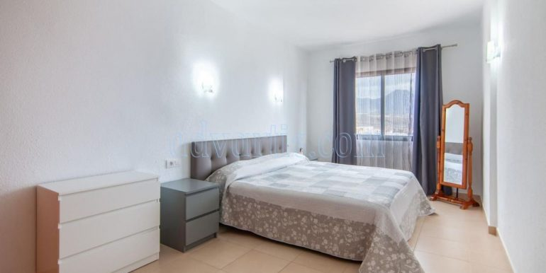 Apartment for sale in Playa Paraiso, 3 minutes walking to the sea in Tenerife south. Apartment near the Hard Rock Hotel Tenerife 5*.