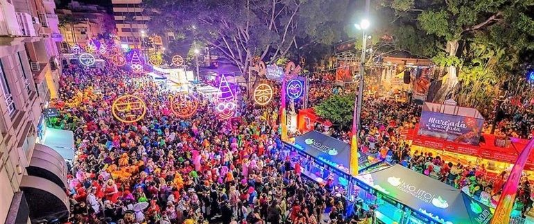 Titsa transports more than 622,000 passengers at the Carnival of Santa Cruz de Tenerife 2019