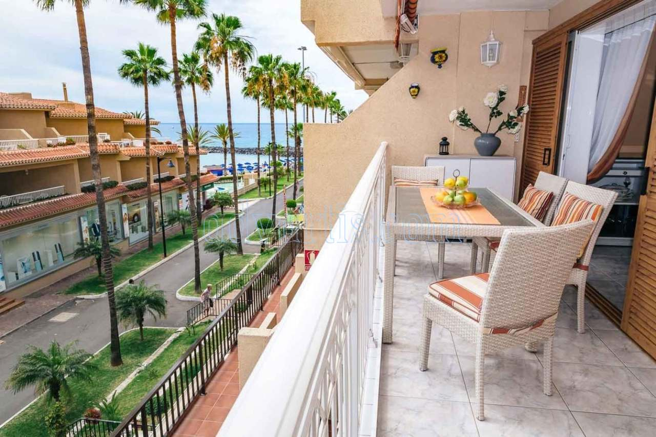 Seafront apartment for sale in Las Americas, Tenerife €395.000