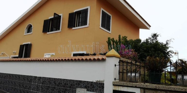 Detached house for sale in residential area in Adeje, Tenerife