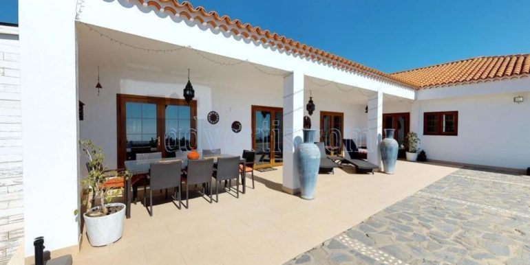 beautiful-villa-for-sale-in-san-miguel-de-abona-tenerife-38620-0517-02