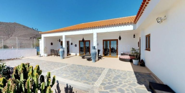 beautiful-villa-for-sale-in-san-miguel-de-abona-tenerife-38620-0517-25