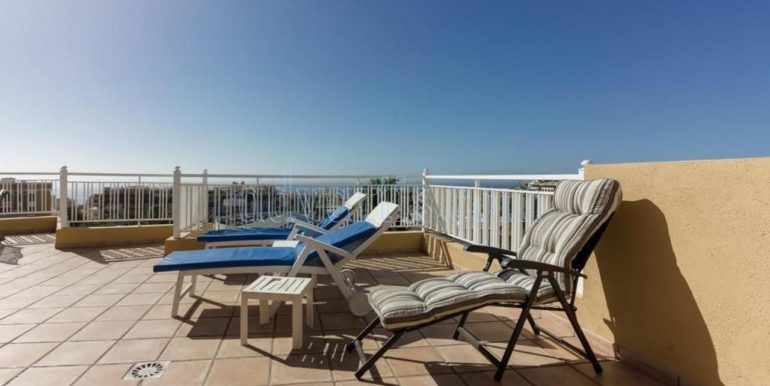 duplex-apartment-for-sale-in-playa-del-duque-costa-adeje-tenerife-spain-38679-0517-01