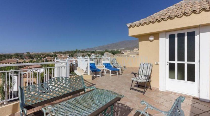 duplex-apartment-for-sale-in-playa-del-duque-costa-adeje-tenerife-spain-38679-0517-02