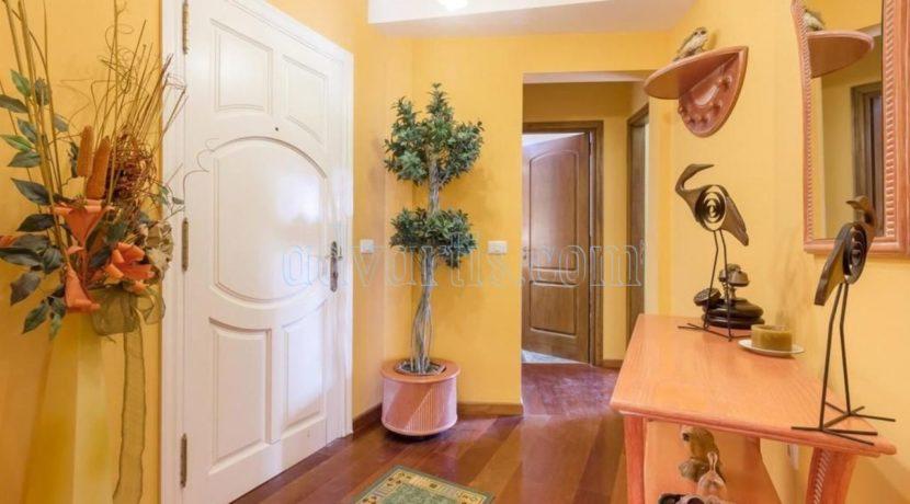 duplex-apartment-for-sale-in-playa-del-duque-costa-adeje-tenerife-spain-38679-0517-03
