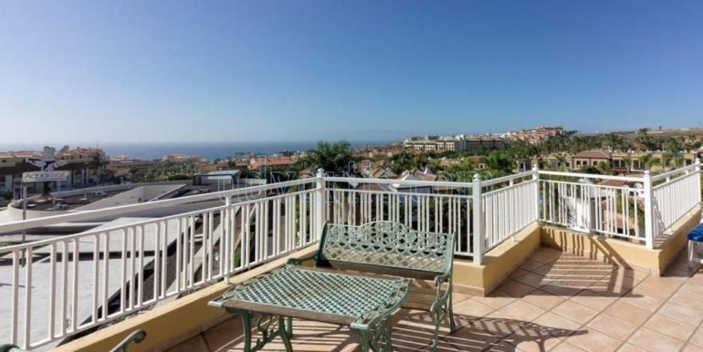 duplex-apartment-for-sale-in-playa-del-duque-costa-adeje-tenerife-spain-38679-0517-37
