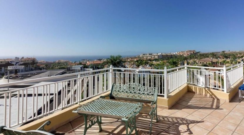 duplex-apartment-for-sale-in-playa-del-duque-costa-adeje-tenerife-spain-38679-0517-37