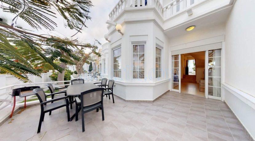 exclusive-seafront-villa-for-sale-in-tenerife-costa-adeje-38660-0512-02
