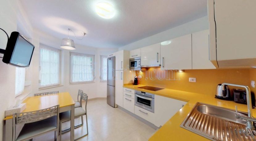 exclusive-seafront-villa-for-sale-in-tenerife-costa-adeje-38660-0512-07