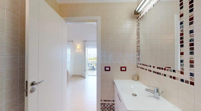 exclusive-seafront-villa-for-sale-in-tenerife-costa-adeje-38660-0512-12