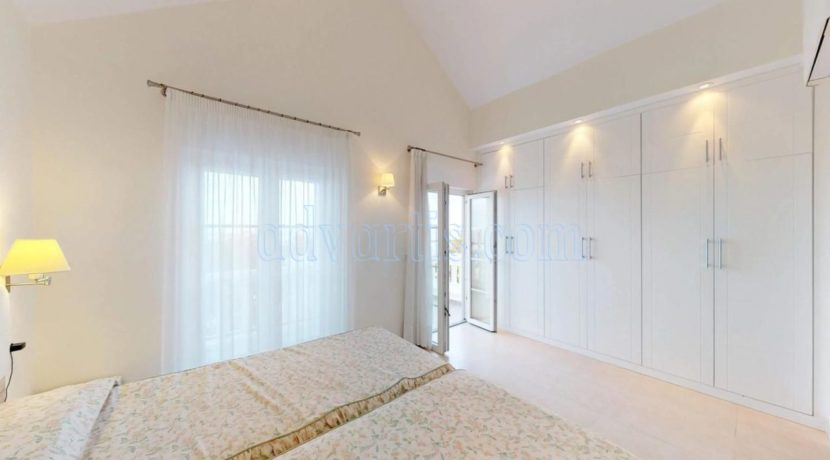 exclusive-seafront-villa-for-sale-in-tenerife-costa-adeje-38660-0512-13