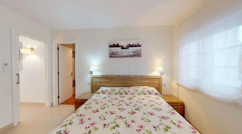 exclusive-seafront-villa-for-sale-in-tenerife-costa-adeje-38660-0512-19