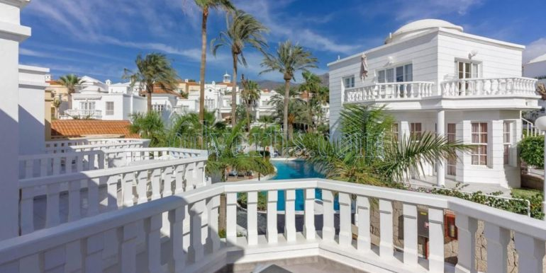 exclusive-seafront-villa-for-sale-in-tenerife-costa-adeje-38660-0512-21