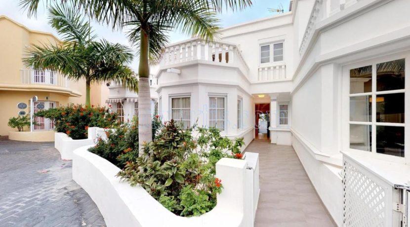 exclusive-seafront-villa-for-sale-in-tenerife-costa-adeje-38660-0512-28