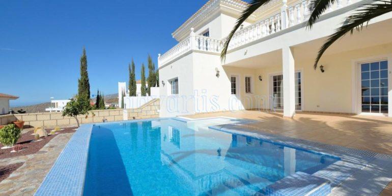 luxury-villa-for-sale-in-tenerife-costa-adeje-roque-del-conde-38670-0517-04