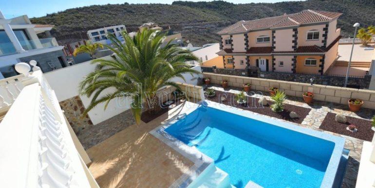 luxury-villa-for-sale-in-tenerife-costa-adeje-roque-del-conde-38670-0517-11