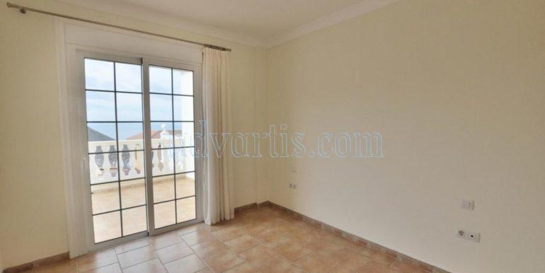 luxury-villa-for-sale-in-tenerife-costa-adeje-roque-del-conde-38670-0517-14