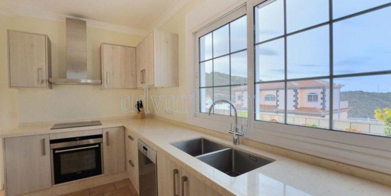 luxury-villa-for-sale-in-tenerife-costa-adeje-roque-del-conde-38670-0517-15