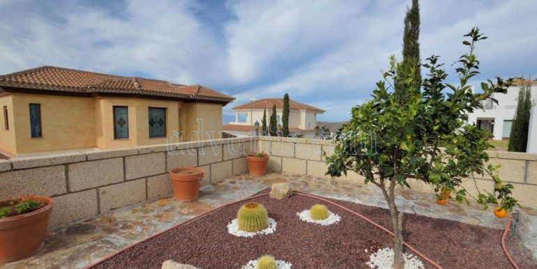 luxury-villa-for-sale-in-tenerife-costa-adeje-roque-del-conde-38670-0517-21