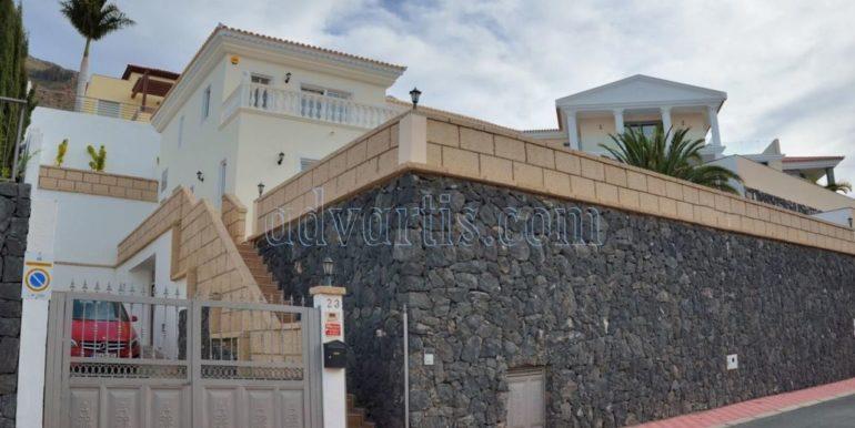 luxury-villa-for-sale-in-tenerife-costa-adeje-roque-del-conde-38670-0517-23