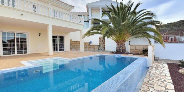 Villa for sale in Tenerife Costa Adeje Roque del Conde