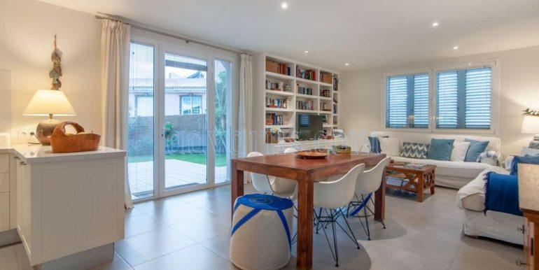 oceanfront-house-for-sale-in-el-medano-tenerife-spain-38612-0517-07