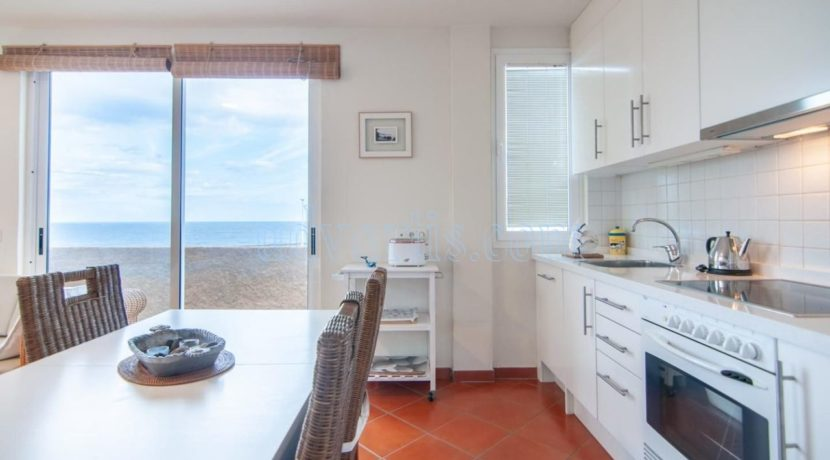 oceanfront-house-for-sale-in-el-medano-tenerife-spain-38612-0517-21