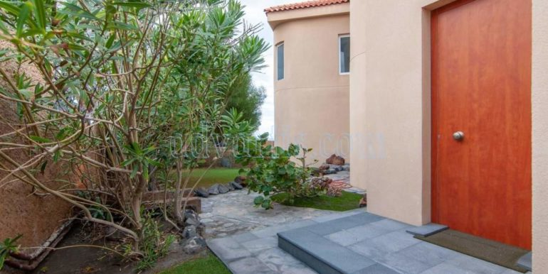 oceanfront-house-for-sale-in-el-medano-tenerife-spain-38612-0517-32