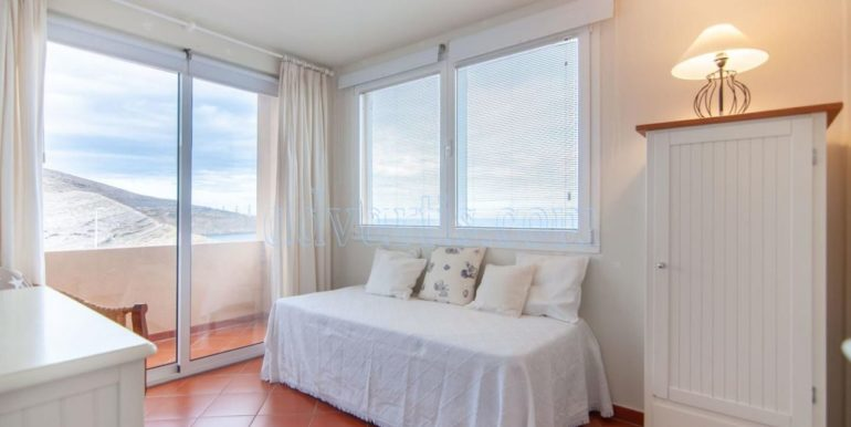 oceanfront-house-for-sale-in-el-medano-tenerife-spain-38612-0517-34