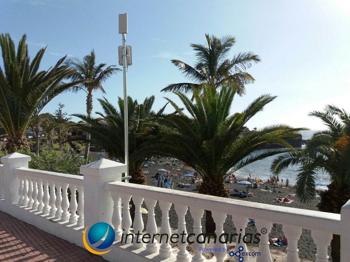 Tenerife 2030 contemplates 61 free wifi points located in the most visited places of the Island and Arona, Adeje, Puerto de la Cruz and Santiago del Teide.