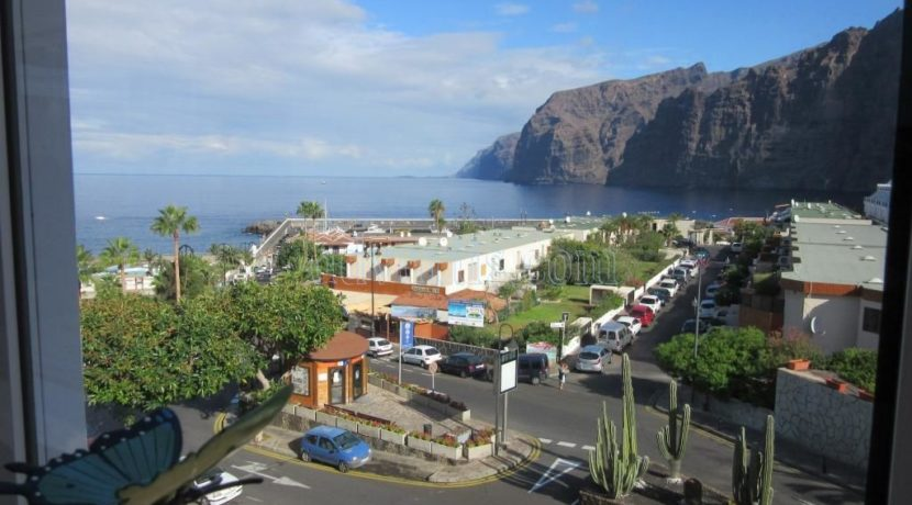 2 bedroom apartment for sale in Los Gigantes Tenerife