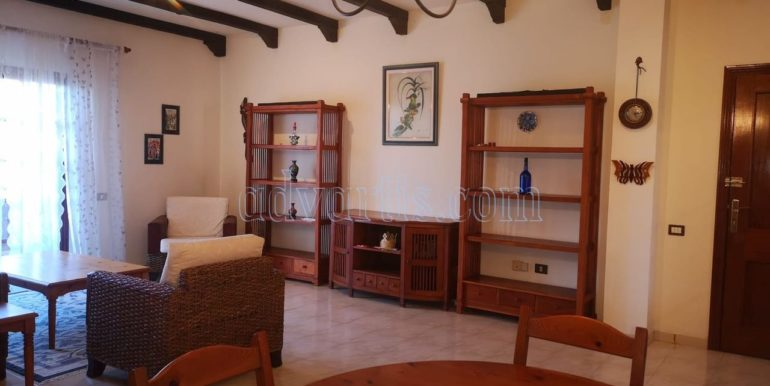 spacious-3-bedroom-apartment-for-sale-in-adeje-tenerife-38670-1114-01