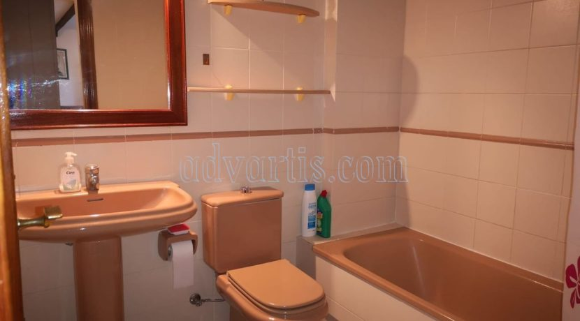 spacious-3-bedroom-apartment-for-sale-in-adeje-tenerife-38670-1114-07