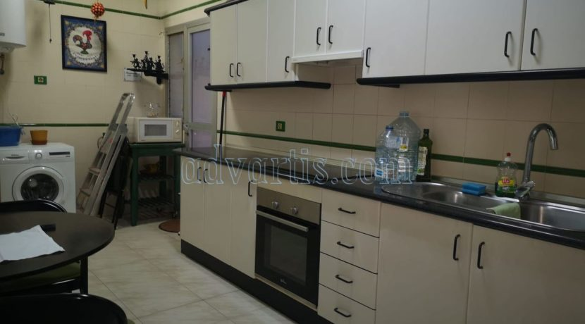 spacious-3-bedroom-apartment-for-sale-in-adeje-tenerife-38670-1114-08