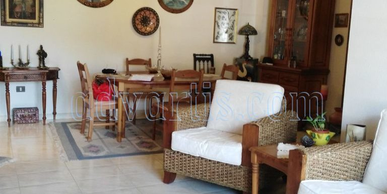 spacious-3-bedroom-apartment-for-sale-in-adeje-tenerife-38670-1114-16