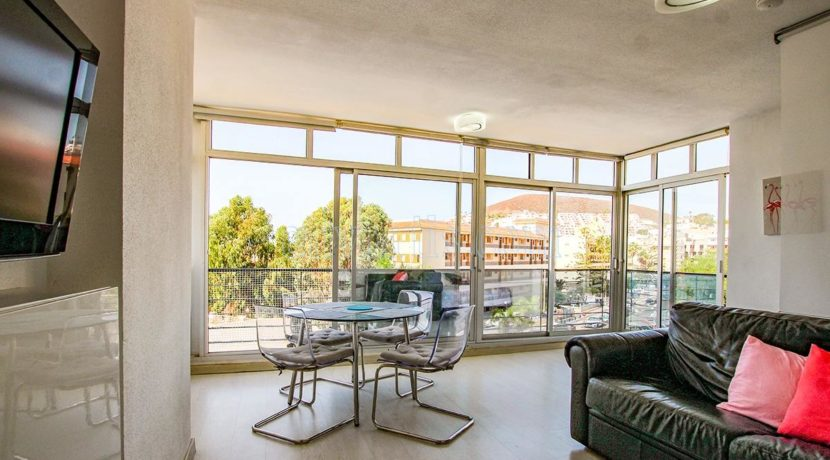 oceanfront-1-bedroom-apartment-for-sale-in-los-cristianos-tenerife-38650-1223-01
