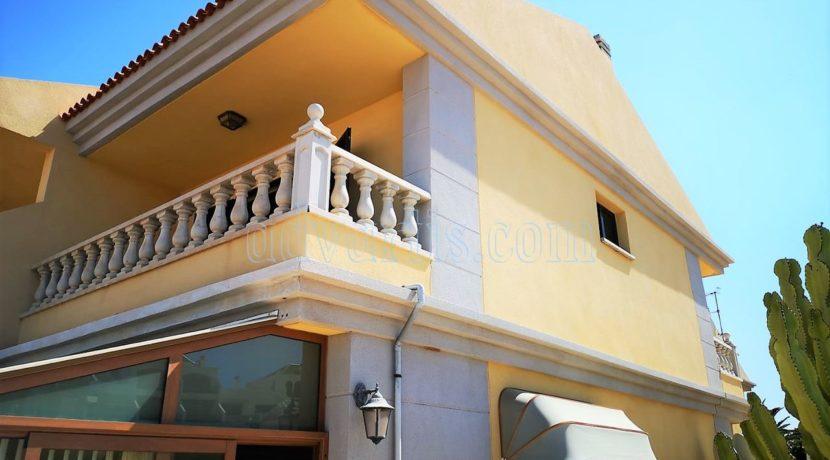 townhouse-for-sale-in-tenerife-costa-del-silencio-38631-0111-02