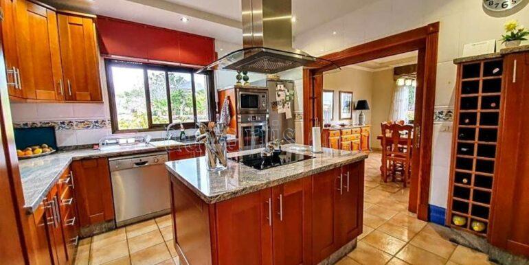 villa-for-sale-in-tenerife-buzanada-38627-0817-11