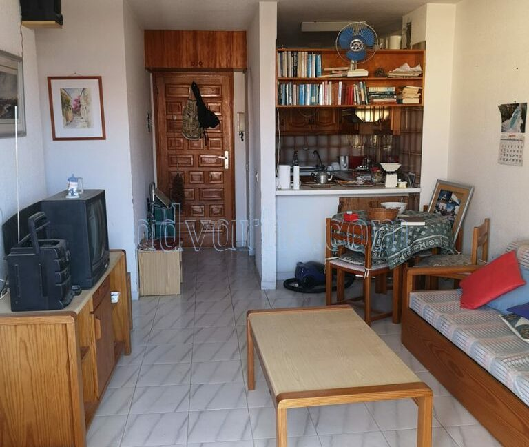 2-bedroom-apartment-for-sale-in-los-cristianos-tenerife-canary-islands-spain-38650-1217-02