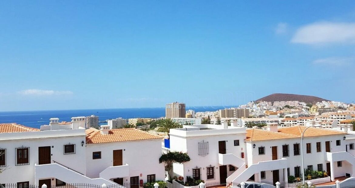 2-bedroom-penthouse-for-sale-in-los-cristianos-tenerife-38650-1212-05