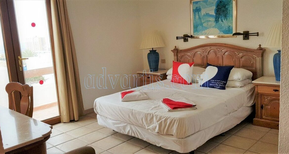 2-bedroom-penthouse-for-sale-in-los-cristianos-tenerife-38650-1212-09