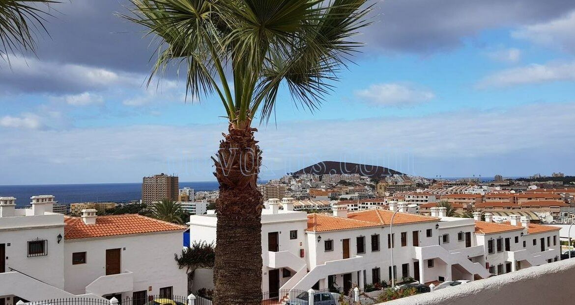 2-bedroom-penthouse-for-sale-in-los-cristianos-tenerife-38650-1212-13