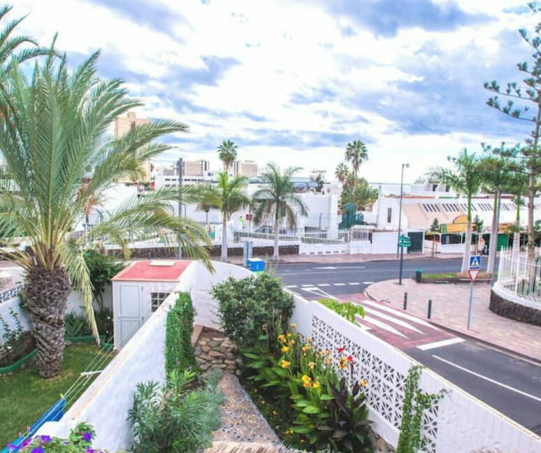 townhouse-for-sale-in-playa-de-las-americas-tenerife-spain-38660-0125-21