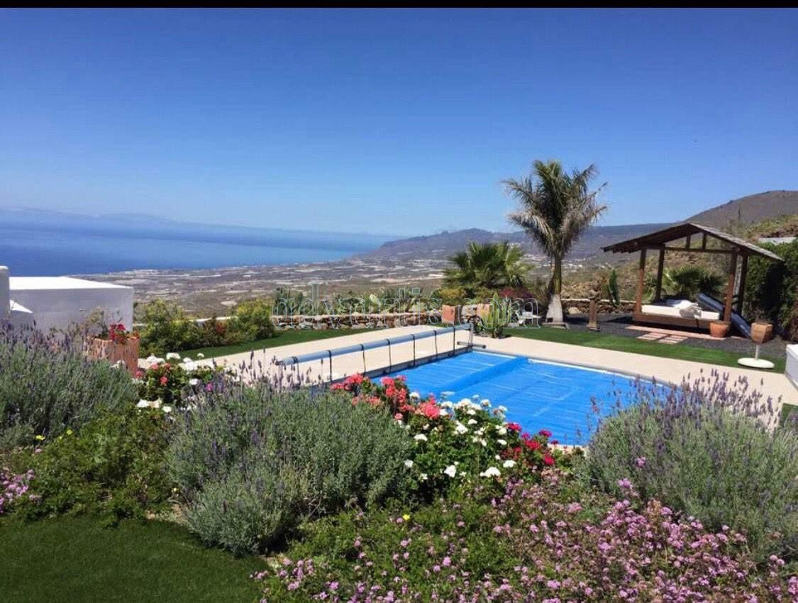 Villa for sale in La Concepcion, Tenerife €850.000