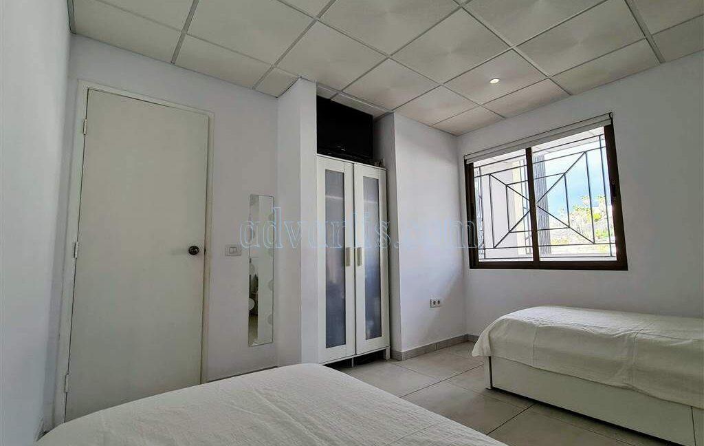 2-bedroom-apartment-for-sale-tenerife-los-cristianos-castle-harbour-complex-38650-0221-02